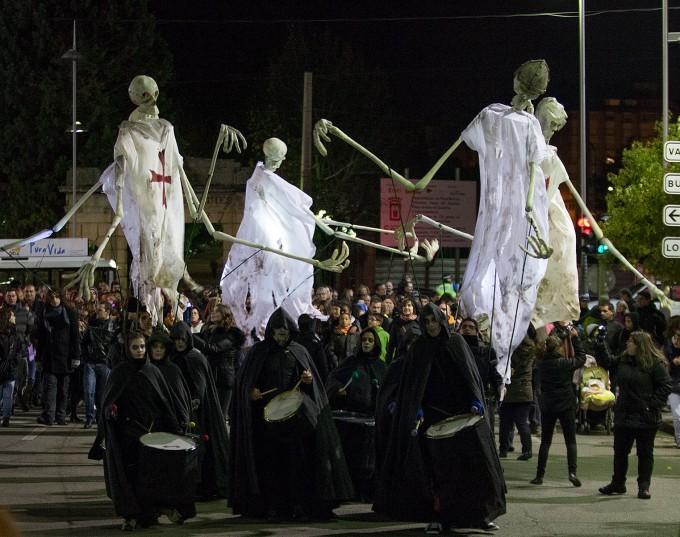 Pasacalles de la Noche de las Ánimas en Soria
